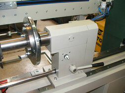 Driven pneumatic tailstock